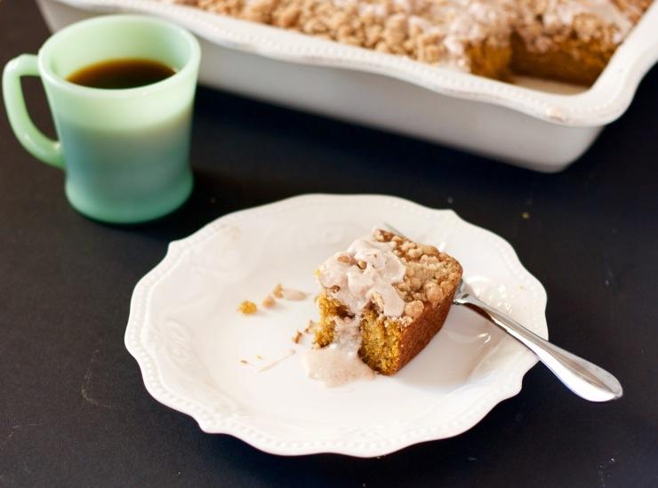 pumpkin-coffee-cake-with-maple-glaze